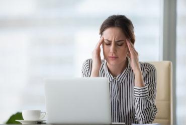 Existe relação entre dor de cabeça e problema de visão? Descubra!